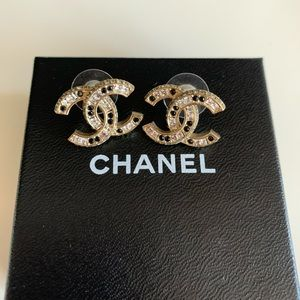 Chanel Swarovski crystals+ black stones earrings